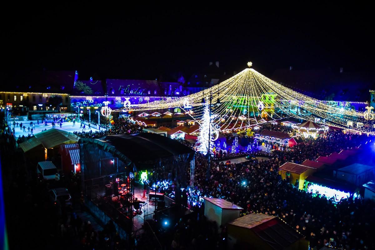 Românii ar putea avea minivacanţe de câte 5 zile de Crăciun şi Revelion