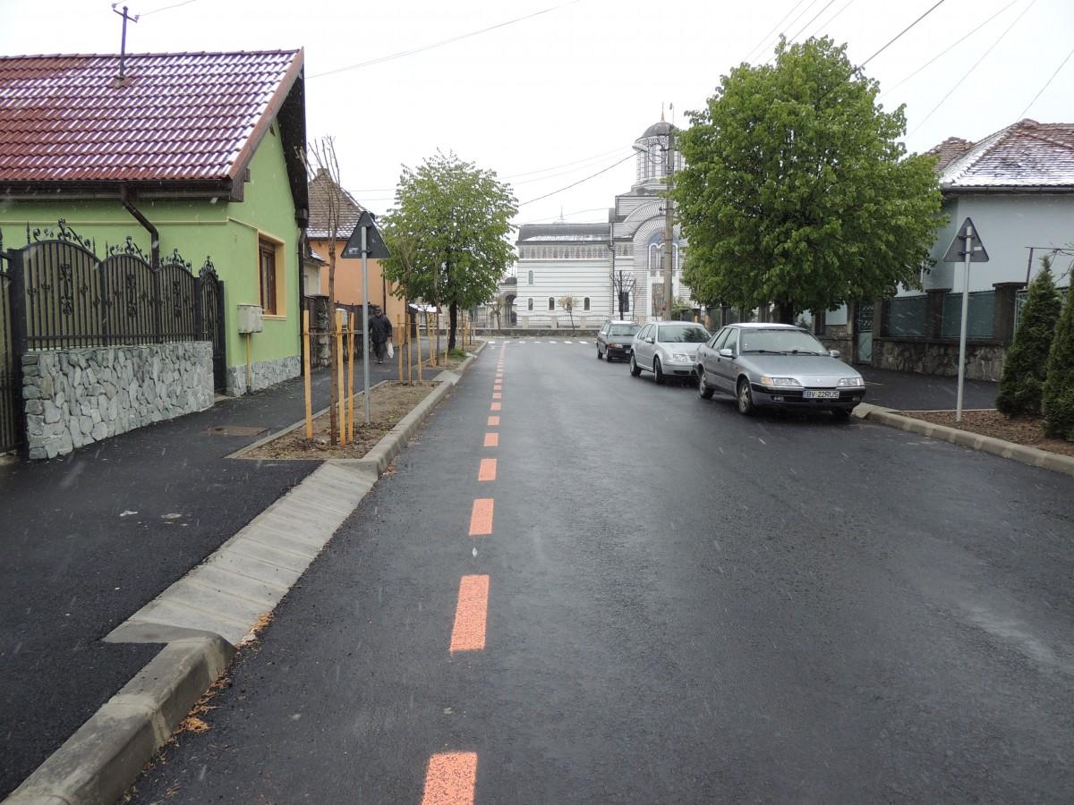 Strada Strungului, modernizată. Pistă pentru biciclete și arbori