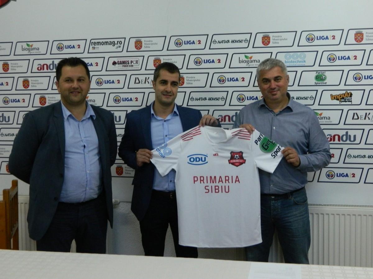 Ca-n Europa:FC Hermannstadt are sponsori, site, fan club, fan shop și joacă cu Juventus. București