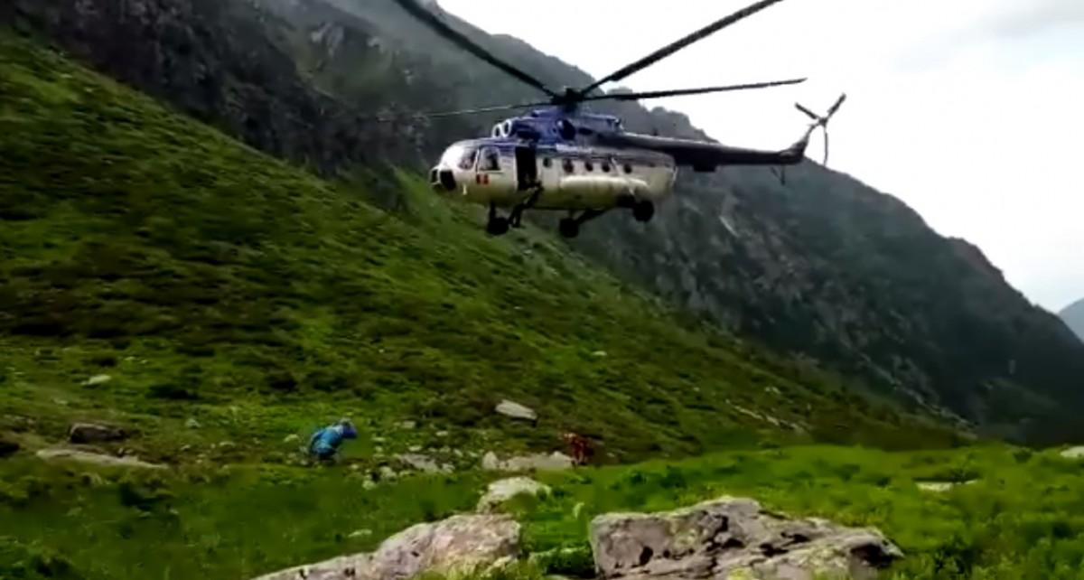 Video|Turiști germani, salvați cu elicopterul din Munții Făgăraș