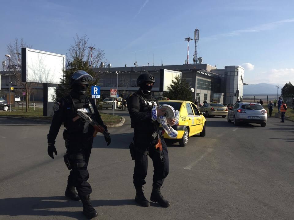 Accesul în Aeroport a fost din nou resitrcționat din cauza unui bagaj suspect
