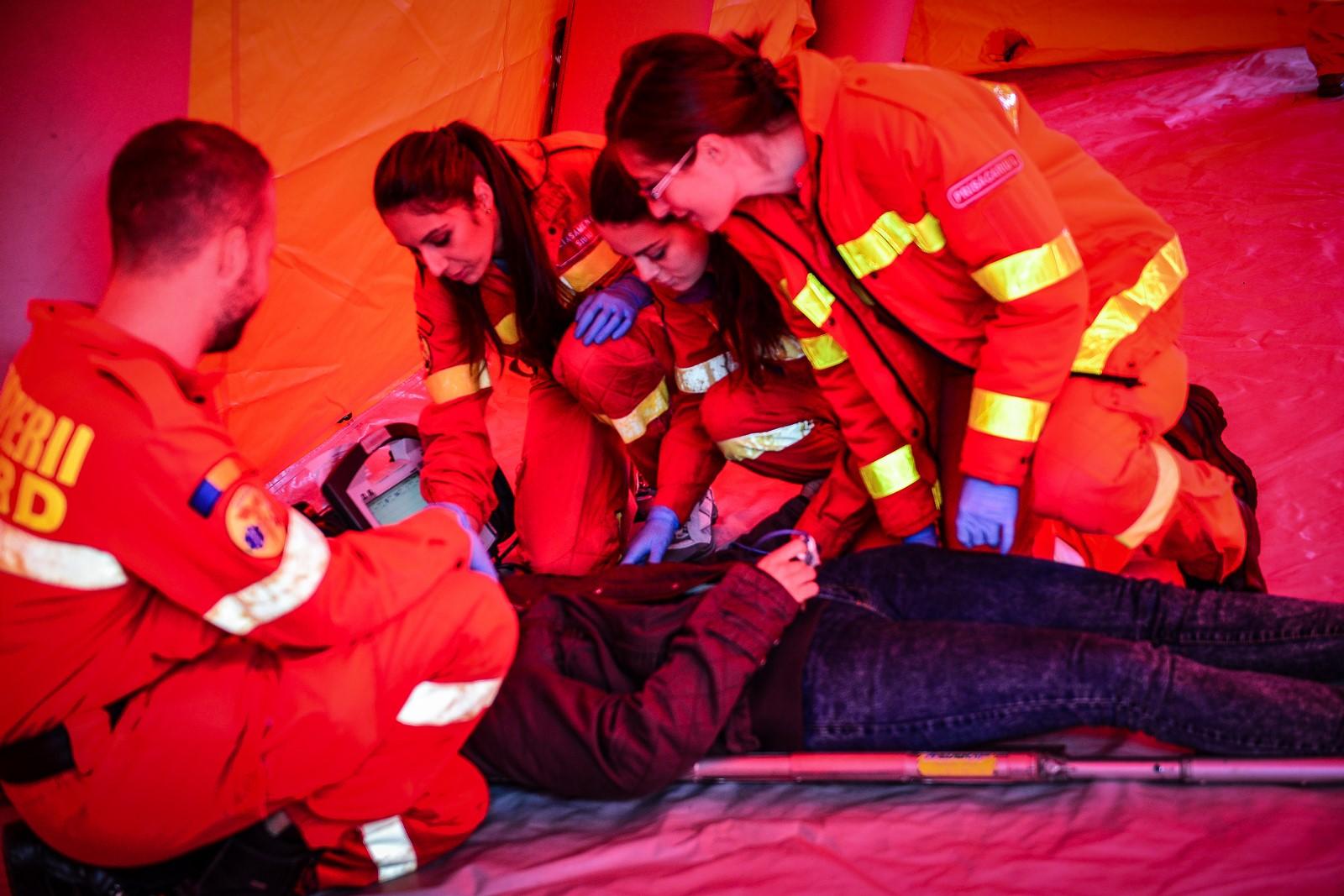 Elev înjunghiat în liceu, la Vâlcea. Câți copii sibieni au fost bătuți în școli