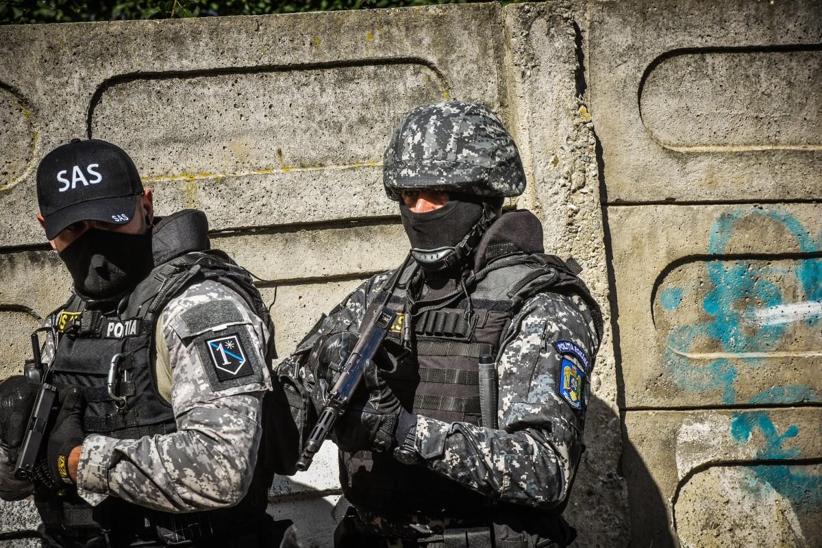 60 de persoane ridicate și 15 tone de tutun confiscate după descinderile de ieri, inclusiv la Sibiu