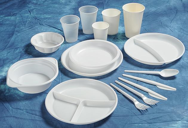 Sibiul interzice plasticul. Farfuriile de unică folosințănu vor mai fi permise la evenimente