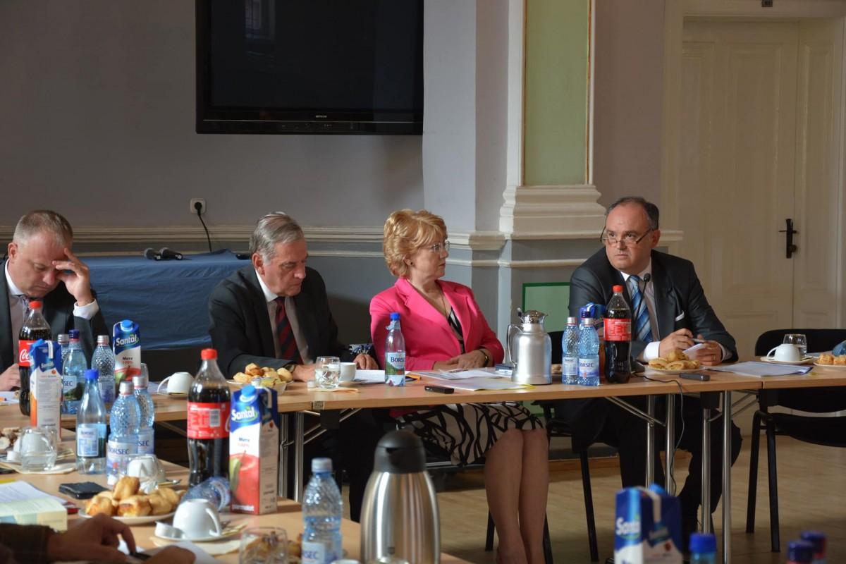 """FDGRîi dă în judecată pe senatorul Pop și pe consilierul lui Dăncilă: """"Facem și noi ce putem să ne apărăm de asemenea calomnii"""""""