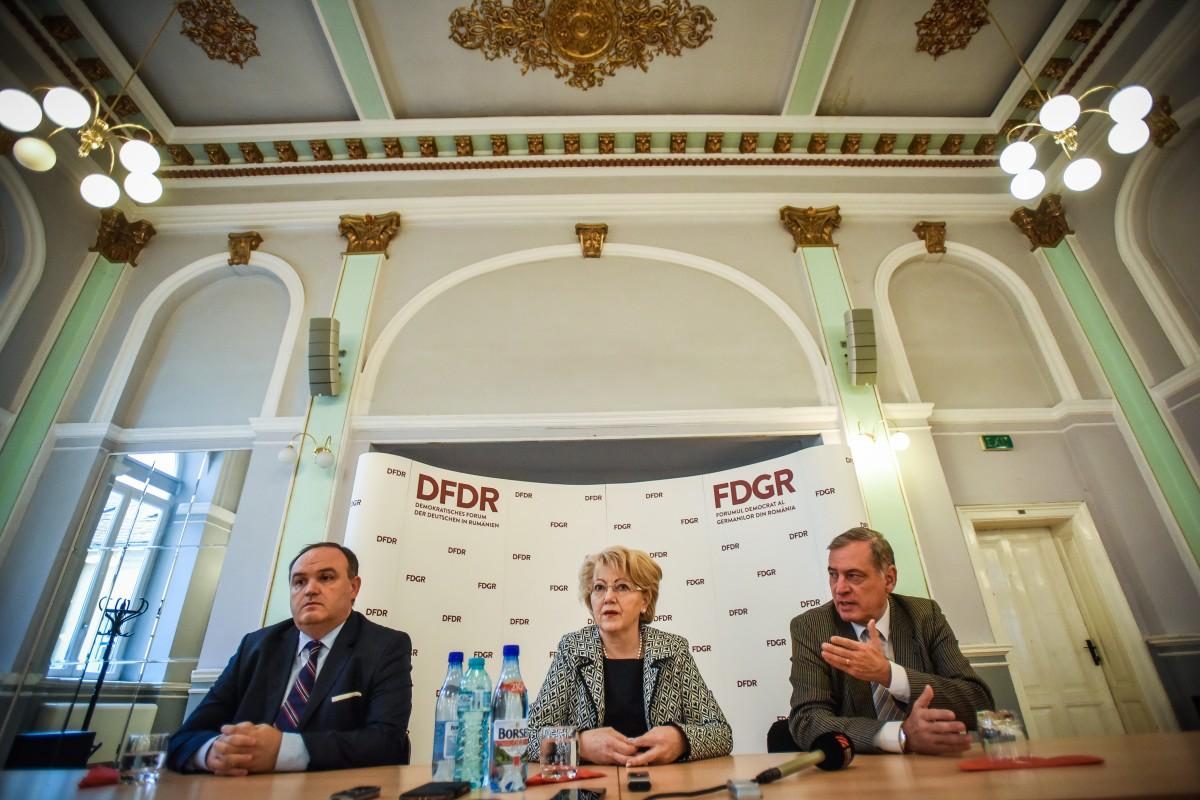 Membri din Adunarea Parlamentară a CE cer anchetarea lui Vâlcov şi a lui Pop, pentru acţiuni de discriminare