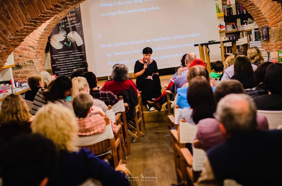 """Sibiul este """"înţesat"""" de poezii şi sonete cu ocazia Festivalului Internaţional de Poezie de la Sibiu """"Poets în Transylvania"""""""