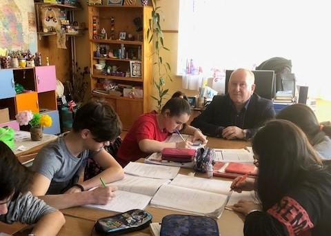 """Florin Hariga, SOS Satul Copiilor Cisnădie: """"Activitatea mea se centrează pe bunăstarea, siguranța și securitatea copiilor"""""""