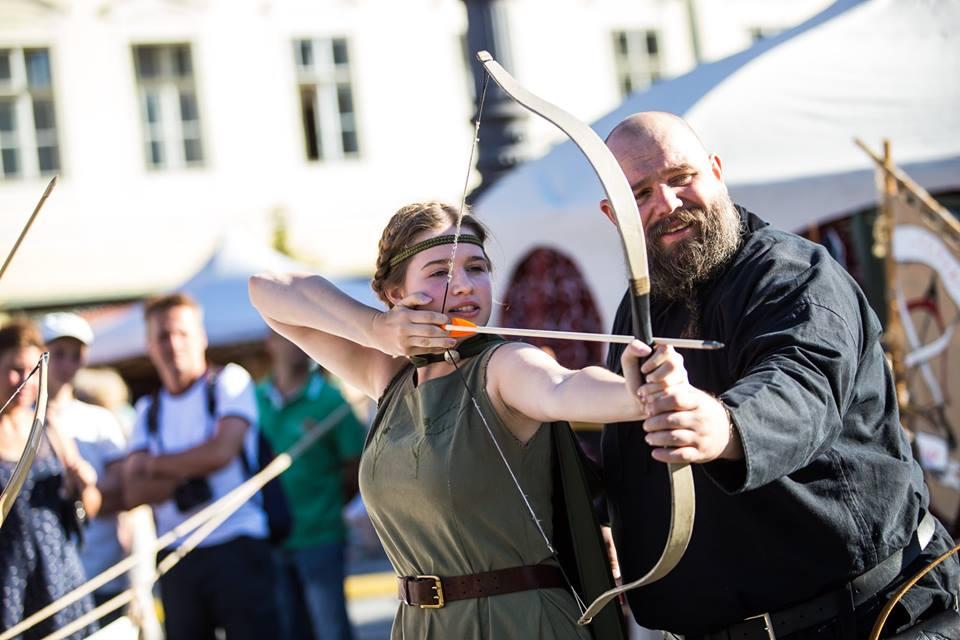 Mâine începe Festivalul Medieval. 3 zile, 123 de spectacole diferite, 200 de artiști
