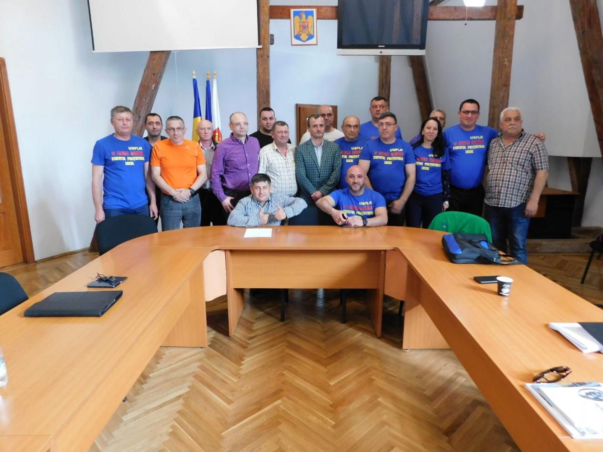 Polițiștii locali, ședință în premieră la Sibiu: cer un statut propriu și o pensionare mai rapidă