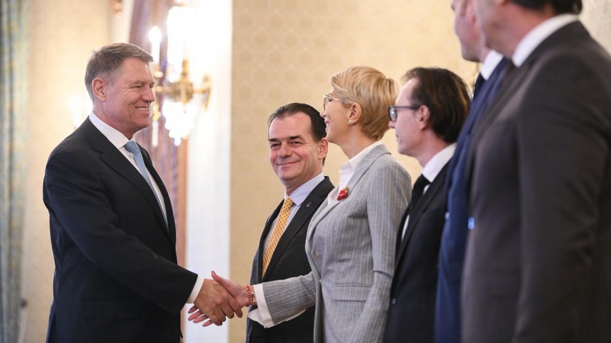 """Klaus Iohannis solicită desființarea Secției Speciale. """"Guvernul PSD-ALDE a primit un nou cartonaș roșu de la organismul anticorupție al Consiliului Europei: GRECO"""""""