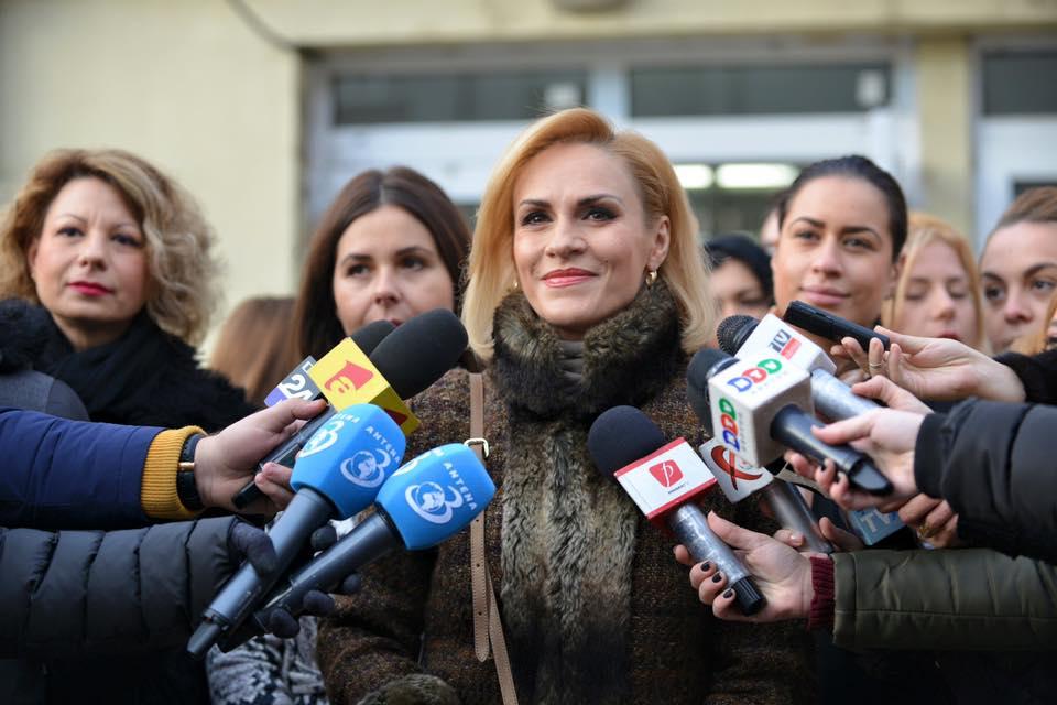 Primarul Bucureștiului se laudă că are mai multe proiecte cu finanțare europeană decât Sibiul