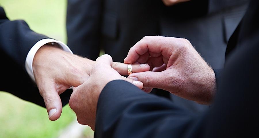 Americanii vorbesc la Sibiu despre căsătoria dintre persoanele de același sex