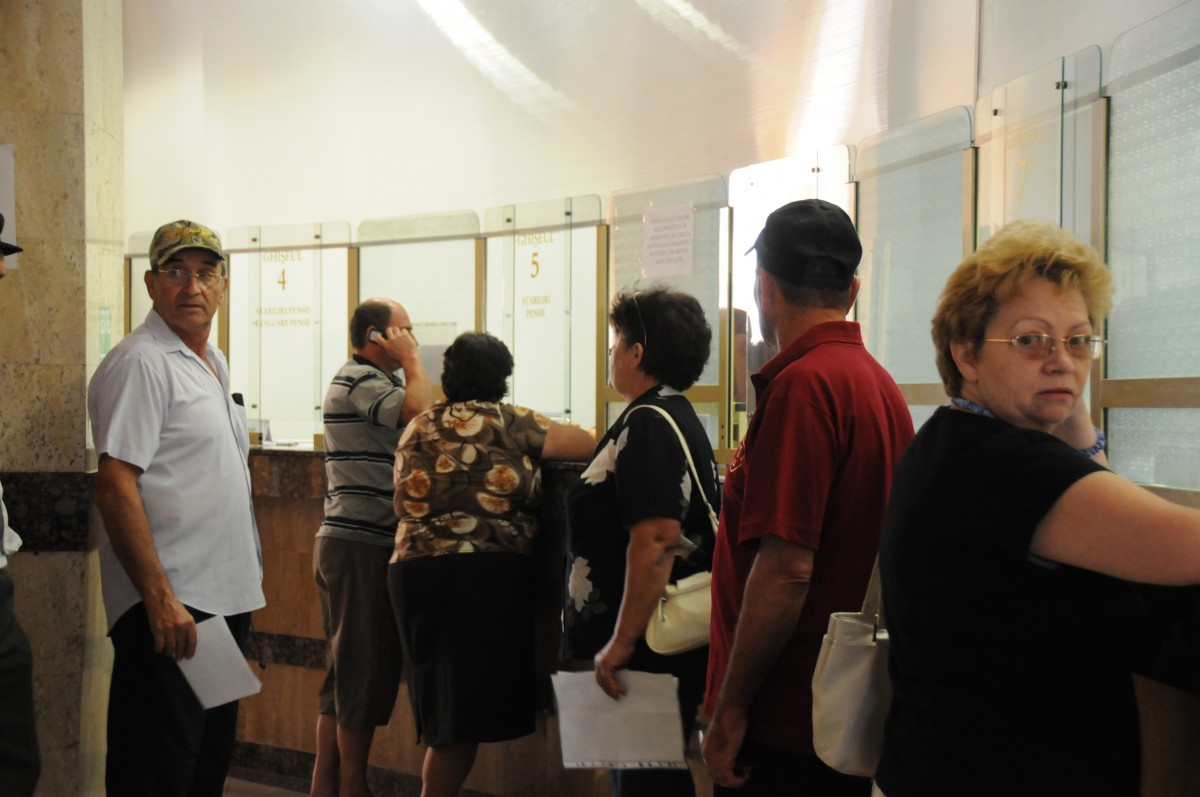 28 de sibieni s-au înscris deja să-și cumpere vechime pentru pensie