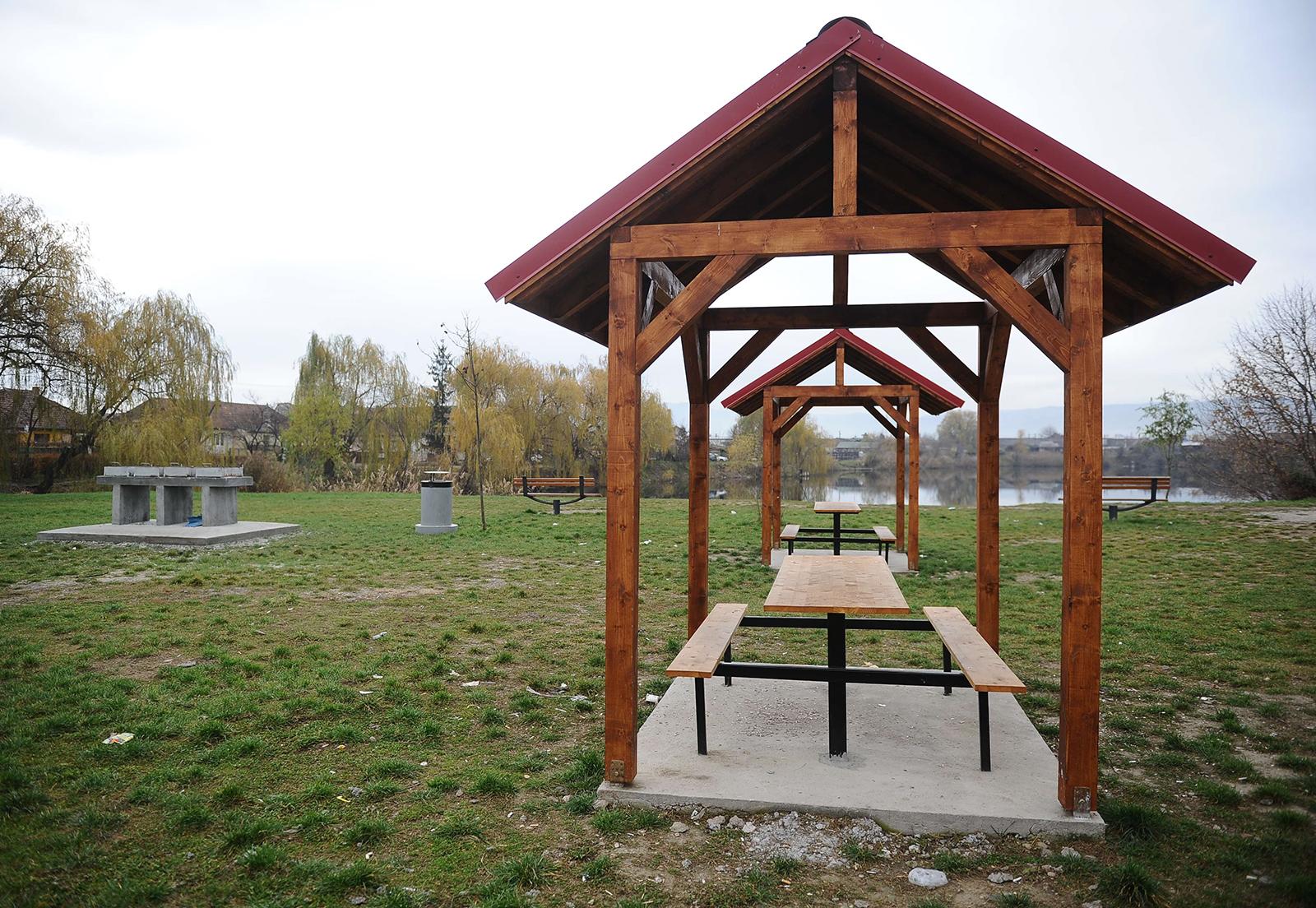 O firmăsibiană amenajează o zonă de picnic în Iași. În Sibiu astfel de locuri degradează