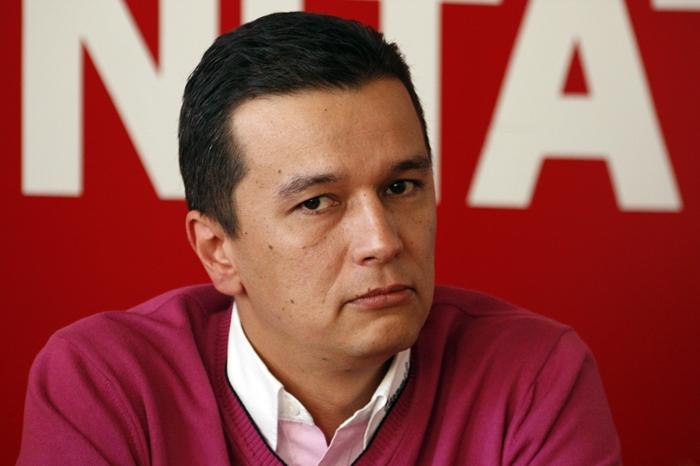 Sorin Grindeanu este membru PDSR/PSD de 20 de ani și a fost ministru și parlamentar