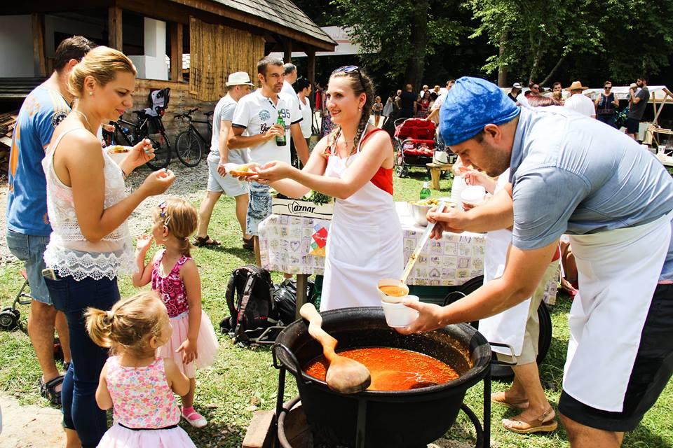 Maraton culinar, la Muzeul Astra. Sibienii vor gusta din produsele pregătite desași, unguri, sârbi și rromi