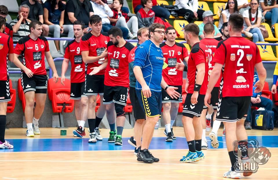 Meci dificil în deplasare pentru handbaliștii de la HC Sibiu