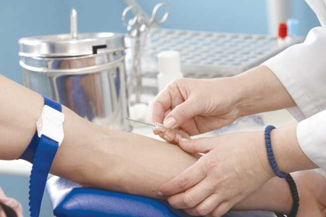 Pacienții cu hepatita C vor continua tratamentul, asigură CNAS