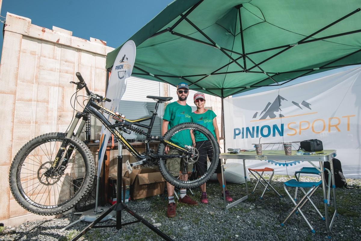 """Pinion Sport, pentru sibienii care iubesc mișcarea. """"Vara reparăm biciclete, iarna ski-uri și snowboard-uri"""""""