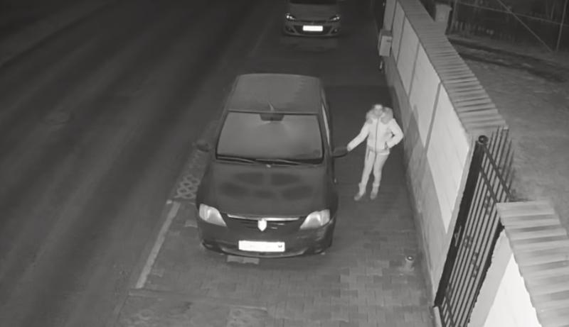 Tânără reținută pentru că a furat dintr-o casă. Ușa era descuiată