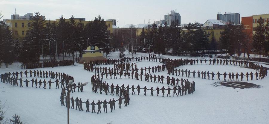Studenții Academiei Forțelor Terestre au marcat ziua Micii Uniri. Prinși în cinci hore / Foto
