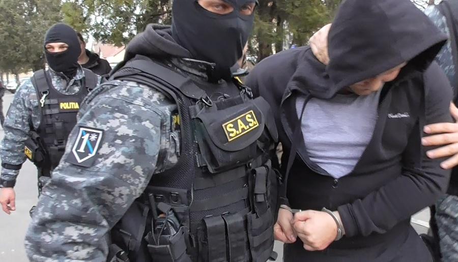 ACTUALIZARE. VIDEO: Suspecți pentru 100 de jafuri din mașini, reținuți în această dimineață