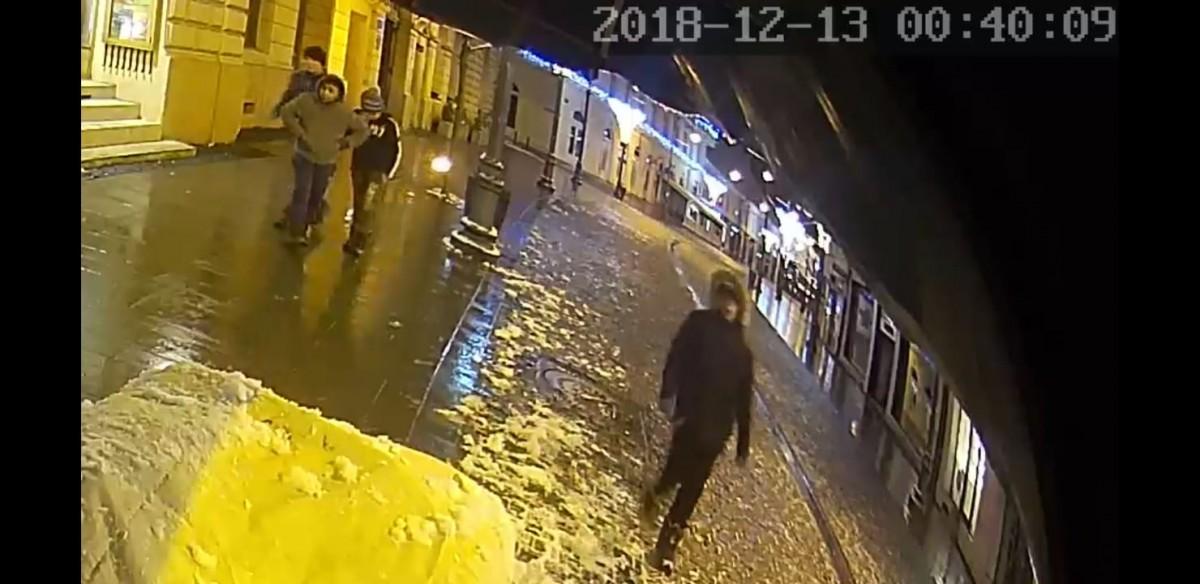Au spart un stand de pe Bălcescu, pentru patru bucăți de porumb | VIDEO