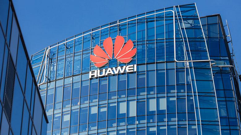 """Huawei, pe lista neagră în SUA și blocată de Google. În România este promovată """"diversitatea tehnologică"""""""