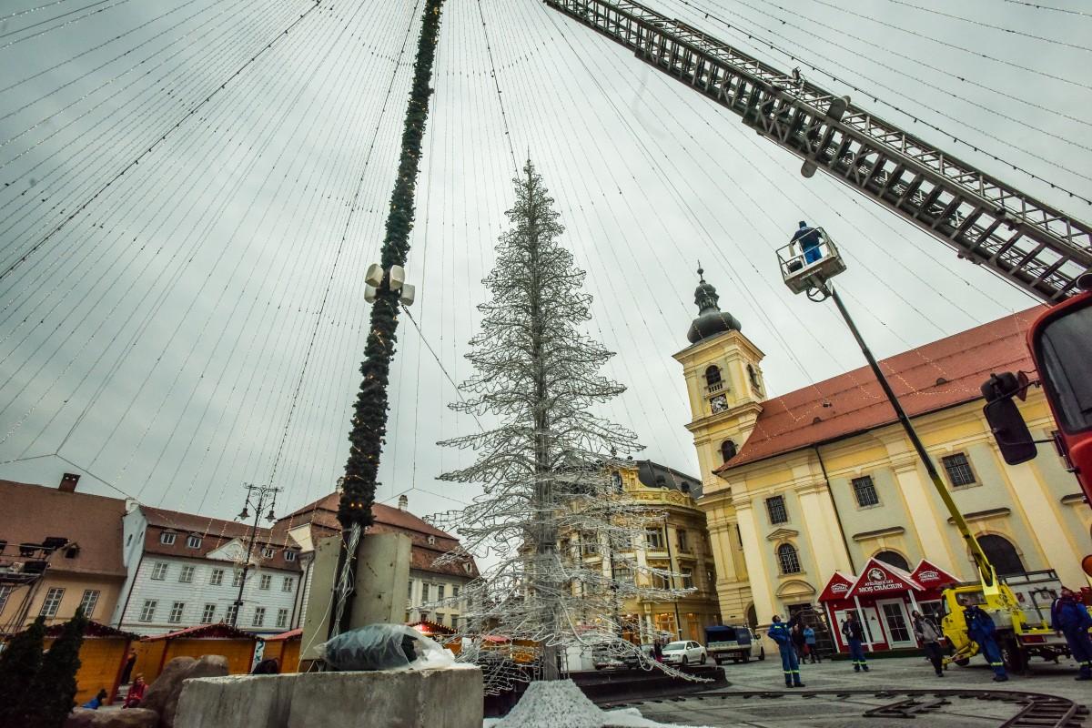ACTUALIZARE Primăria Sibiu a cumpărat iluminat festiv de 1,6 mil. lei. Iluminatul era plănuit pentru Crăciunul trecut