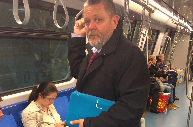 """Deputat la al doilea mandat, prima oară cu metroul. """"O surpriză plăcută"""""""