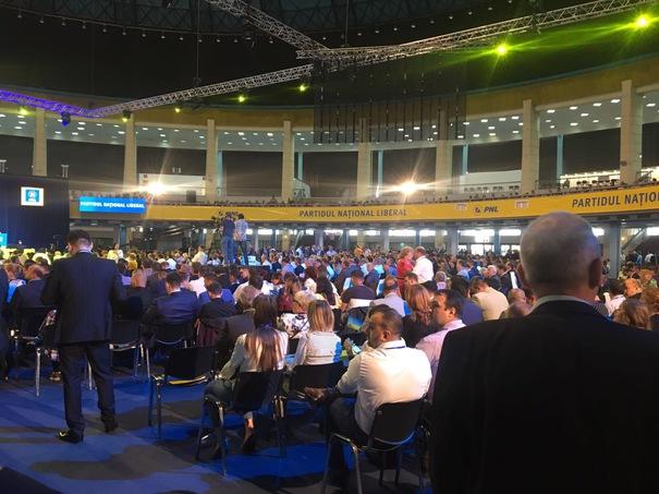 Liberalii își aleg președintele. Orban sau Bușoi