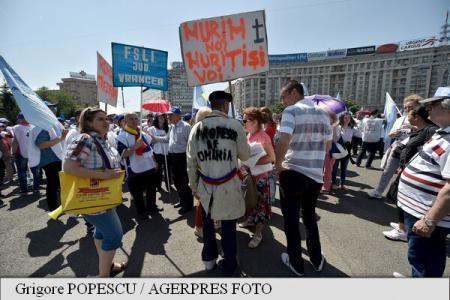 Sindicaliștii din Educație au plecat într-un marș de protest către Palatul Cotroceni
