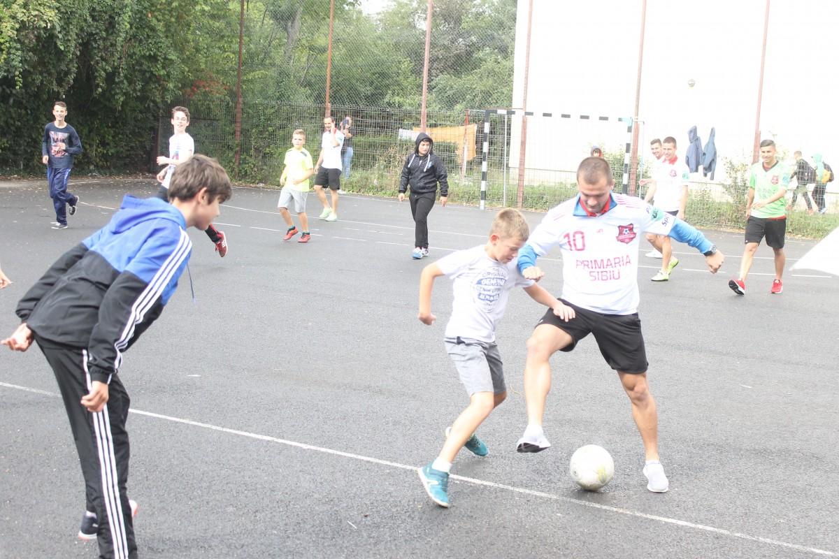 "Jucătorii de la FC Hermannstadt au jucat la ""N. Iorga"" FOTO"
