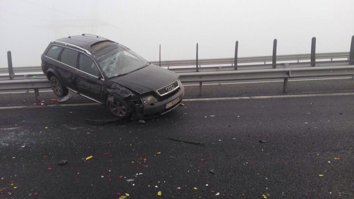 Accident în lanț pe autostradă, la Aciliu. Cel puțin un rănit