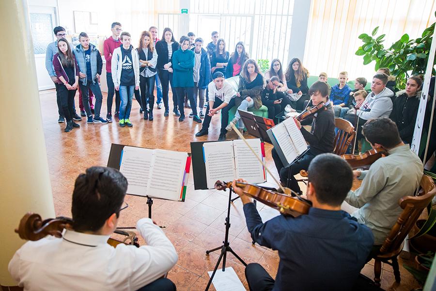 Spectacole caritabile în așezăminte sociale din Sibiu și Chișinău, pe muzica lui George Enescu, artistul-soldat (CP)