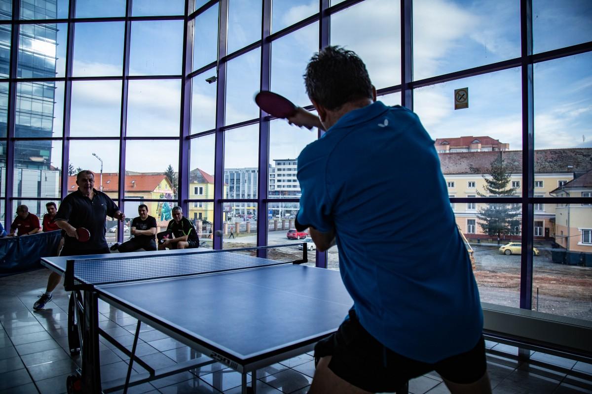 Sibienii pot juca tenis de masă, gratuit, în Sala Transilvania