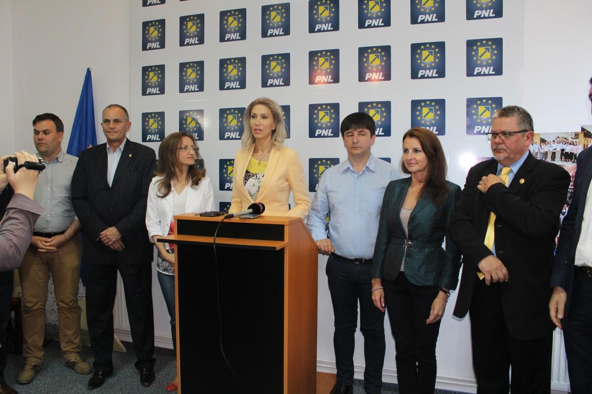 """Primele negocieri FDGR – PNL. """"Vom avea președinte Daniela Cîmpean, vicepreședinți FDGR și PNL"""""""