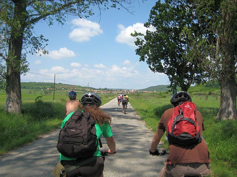 Cine iese sâmbătă cu bicicleta, la o plimbare pe Drumul Sării?