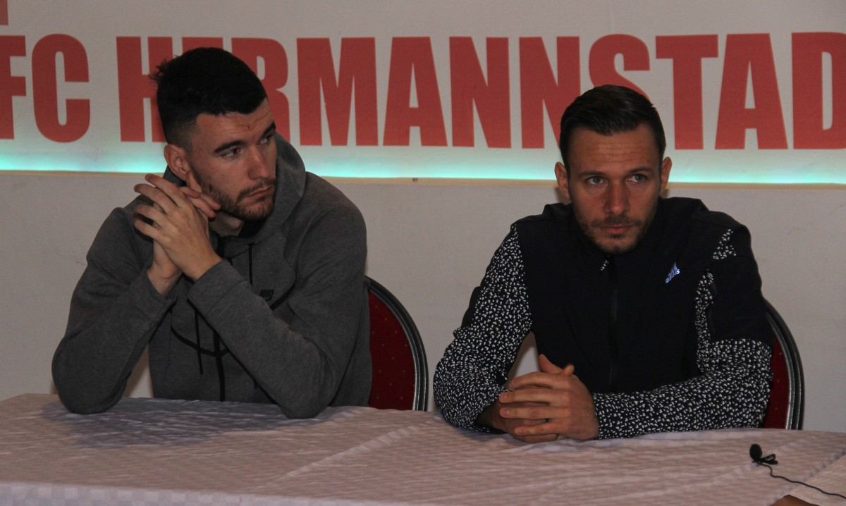 Au plecat zece, au venit patru. FC Hermannstadt și-a prezentat noii fotbaliști