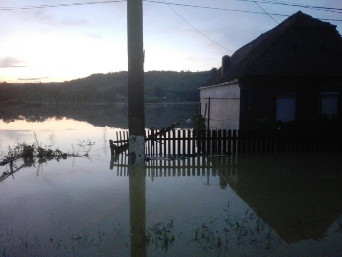 Pagubele inundațiilor din județ, estimate la peste 5,2 milioane de lei