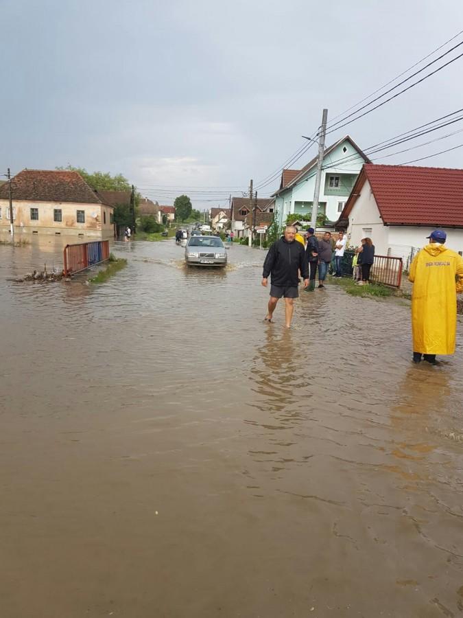 Noi inundații în județ. Șapte gospodării sub ape la Ilimbav