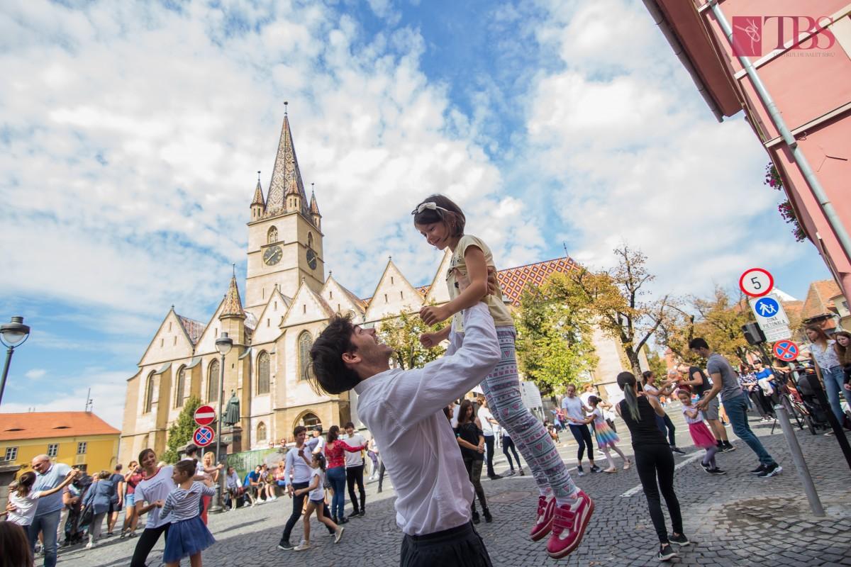 Teatrul de Balet Sibiu invită publicul la dans, în a doua zi de Paști
