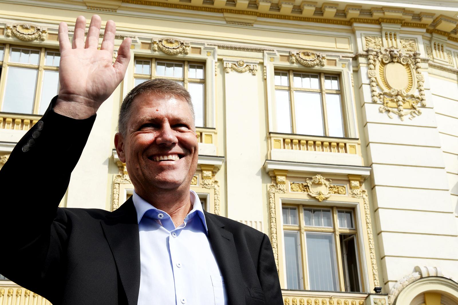 Iohannis sărbătorește alături de PNL Sibiu