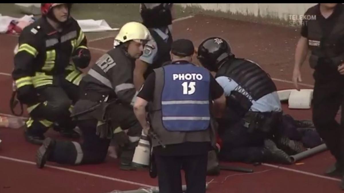 Jandarmul lovit în timpul meciului U Cluj-FC Hermannstadt este în stare gravă
