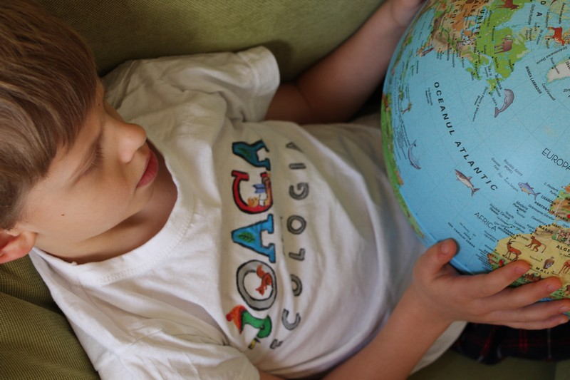 Proiectele maratonului. (9) O carte cu povești despre ecologie, scriseși ilustrate de copii