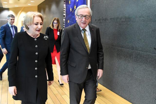 """Laudele lui Juncker pentru Dăncilă: """"Guvernul e pregătit pentru președinția UE, evoluția statului de drept e un alt subiect"""""""
