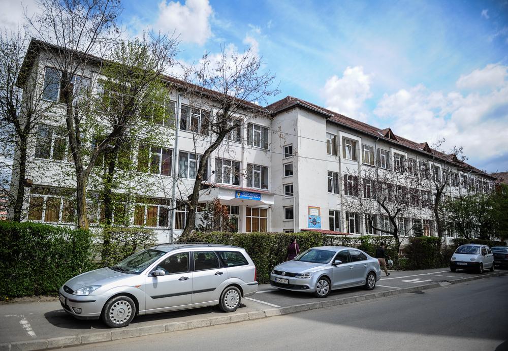 Începe modernizarea clădirii Liceului Teoretic Constantin Noica pentru eficientizare energetică