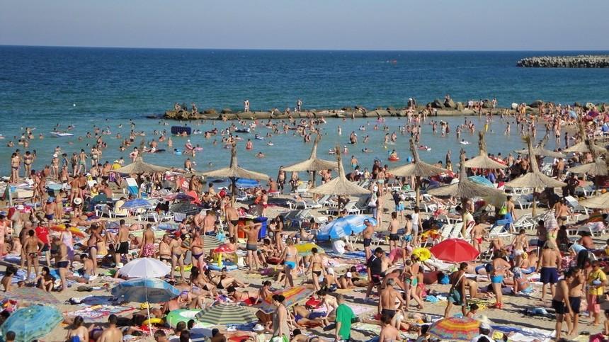 Peste 200.000 de turişti pe litoral în acest weekend