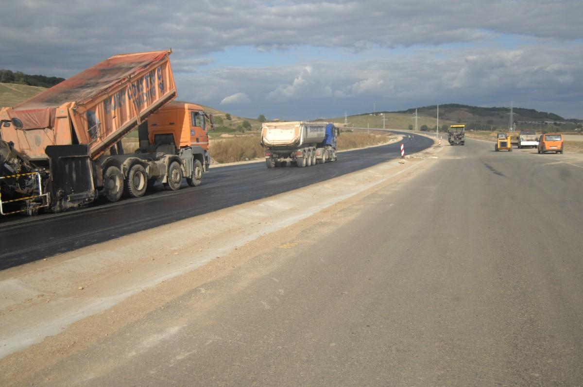Au fost desemnați constructorii pentru încă 55 de km din Autostrada Transilvania